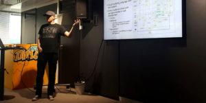 Jarno Leikas esittelee sovelluksen käsitemallia